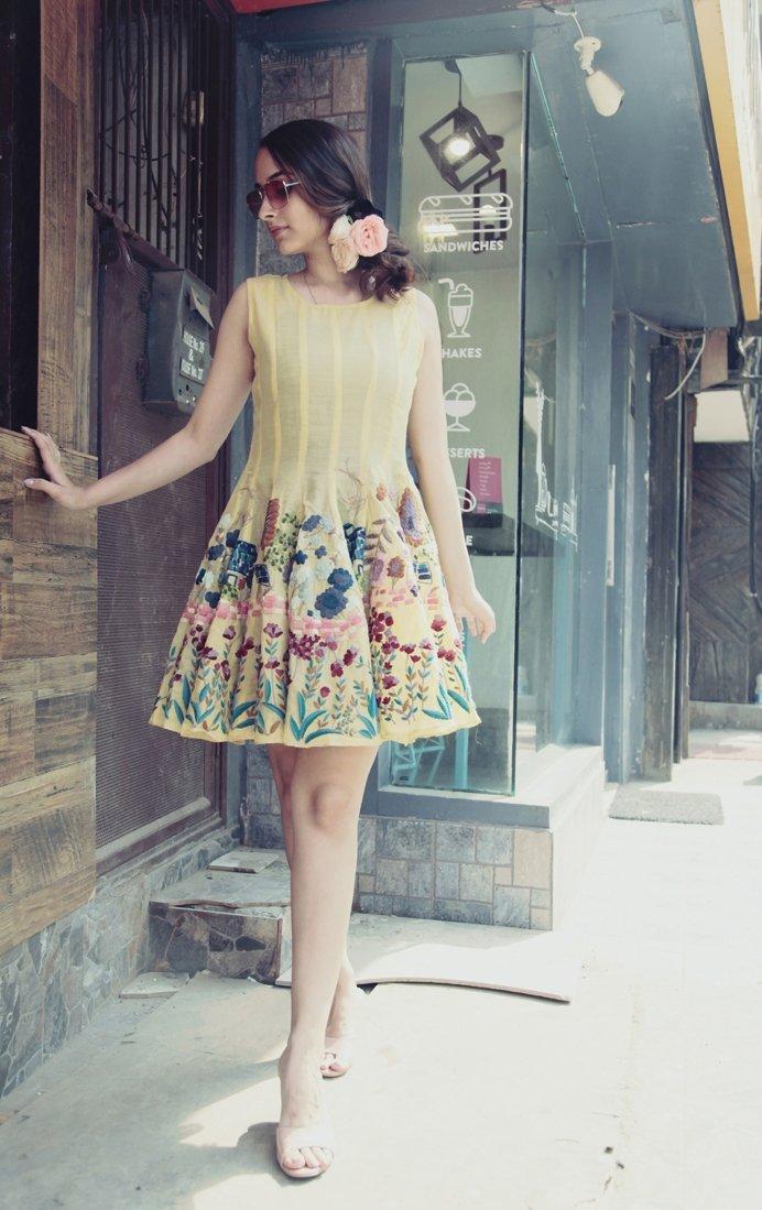 Pale yellow Paneled dress