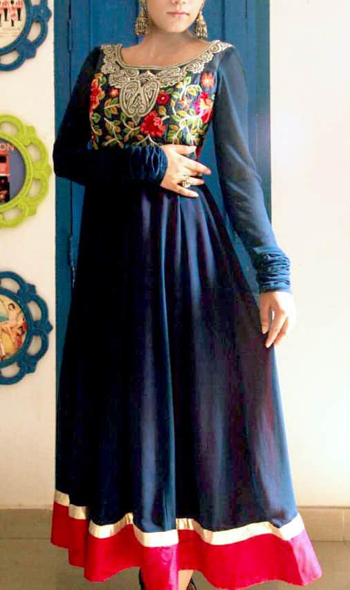 Multicolor Thread Embroidered Anarkali Se